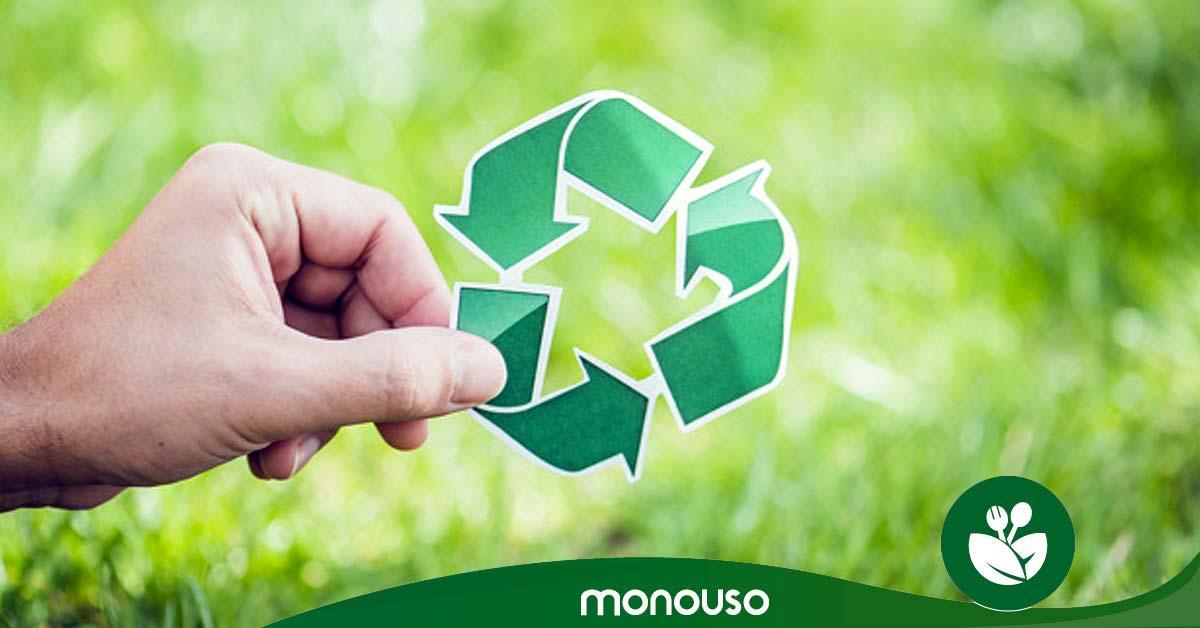 8 ideas infalibles de reciclaje en oficina y en casa