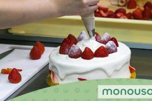 Técnicas de utilização da manga de pastelaria para se exibir na cozinha
