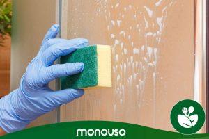 Como limpar os truques do ecrã do chuveiro para o tornar como novo